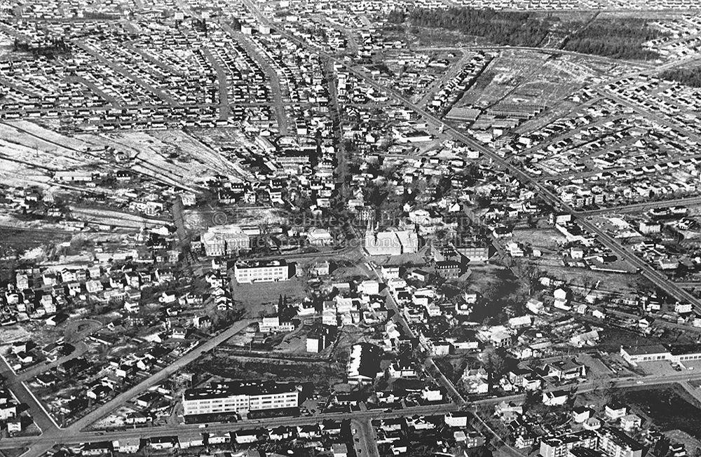 Charlesbourg en 1974 quebec pinterest qu bec ville for Arpidrome charlesbourg piscine