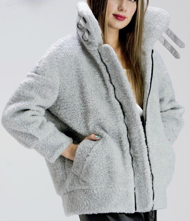 Faux-Lamb-Fur Thick Jacket in Grey