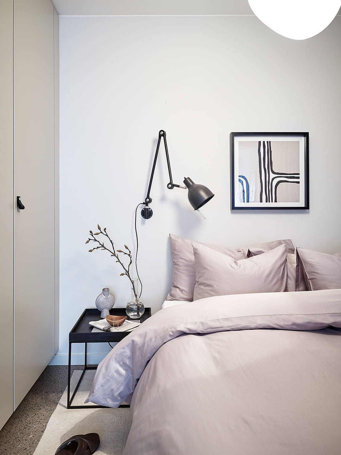 Modern Home With Beige Accents And Wall Arts Made With Diy Schlafzimmer Inspiration Wohnen Wohnung