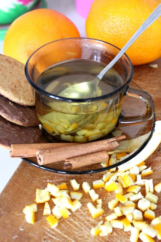 If you want a flavored tea, this orange peel tea recipe is perfect! A delicious, healthy drink, especially in cold winter days thanks to Vitamin C.