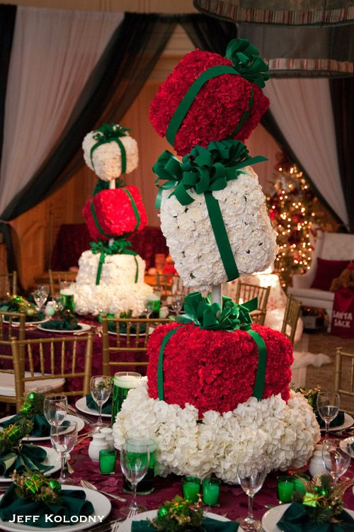 Christmas Theme Gift Box Floral Centerpieces Guerdydesign Oceanflowers Christmas Flower Arrangements Tall Christmas Centerpieces Christmas Party Centerpieces