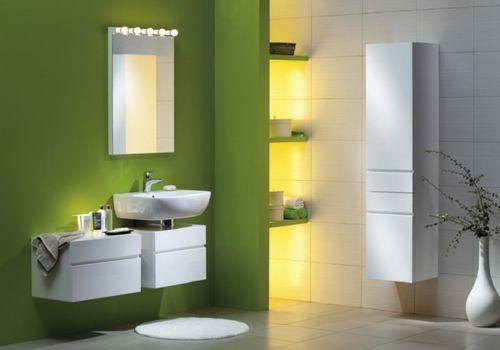 grün wand bodenvase weiß wandspiegel beleuchtung klare linien - badezimmer beleuchtung wand