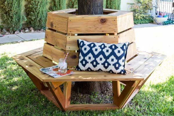14 idées créatives pour habiller votre arbre de jardin avec un banc