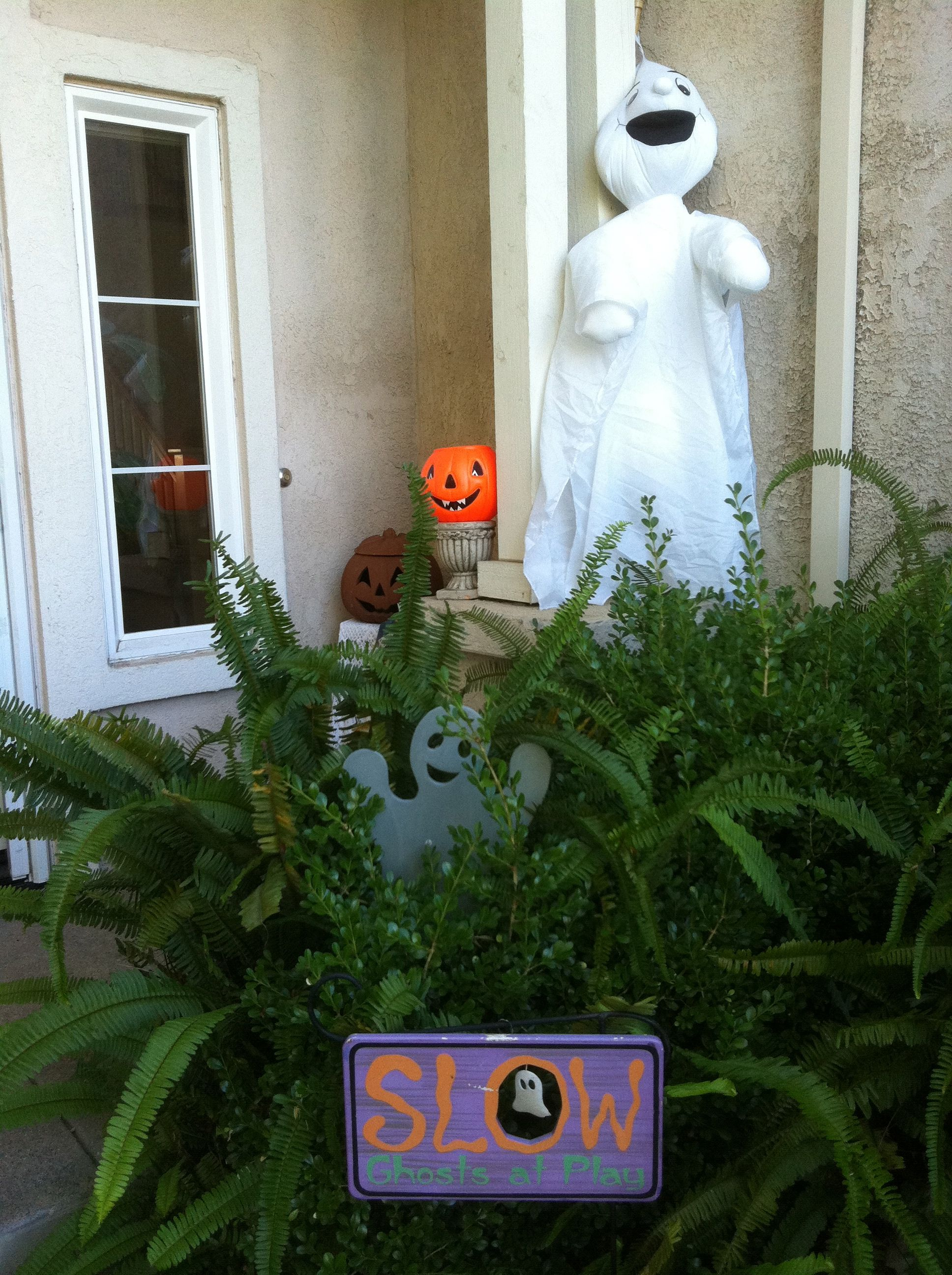 What\u0027s your house decorated like? Holidays Halloween Pinterest - halloween houses decorated