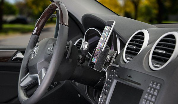 e87baac53 iPhone 6 Car Mount in the Mercedes M Class | iPhone Holders | Iphone ...