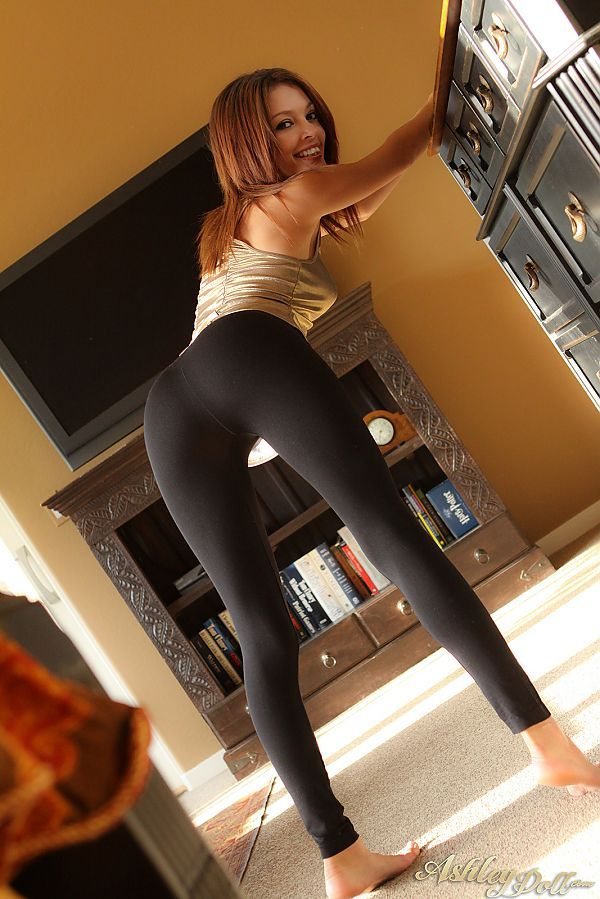 Remarkable, Girls in yoga pants bent over ass excellent