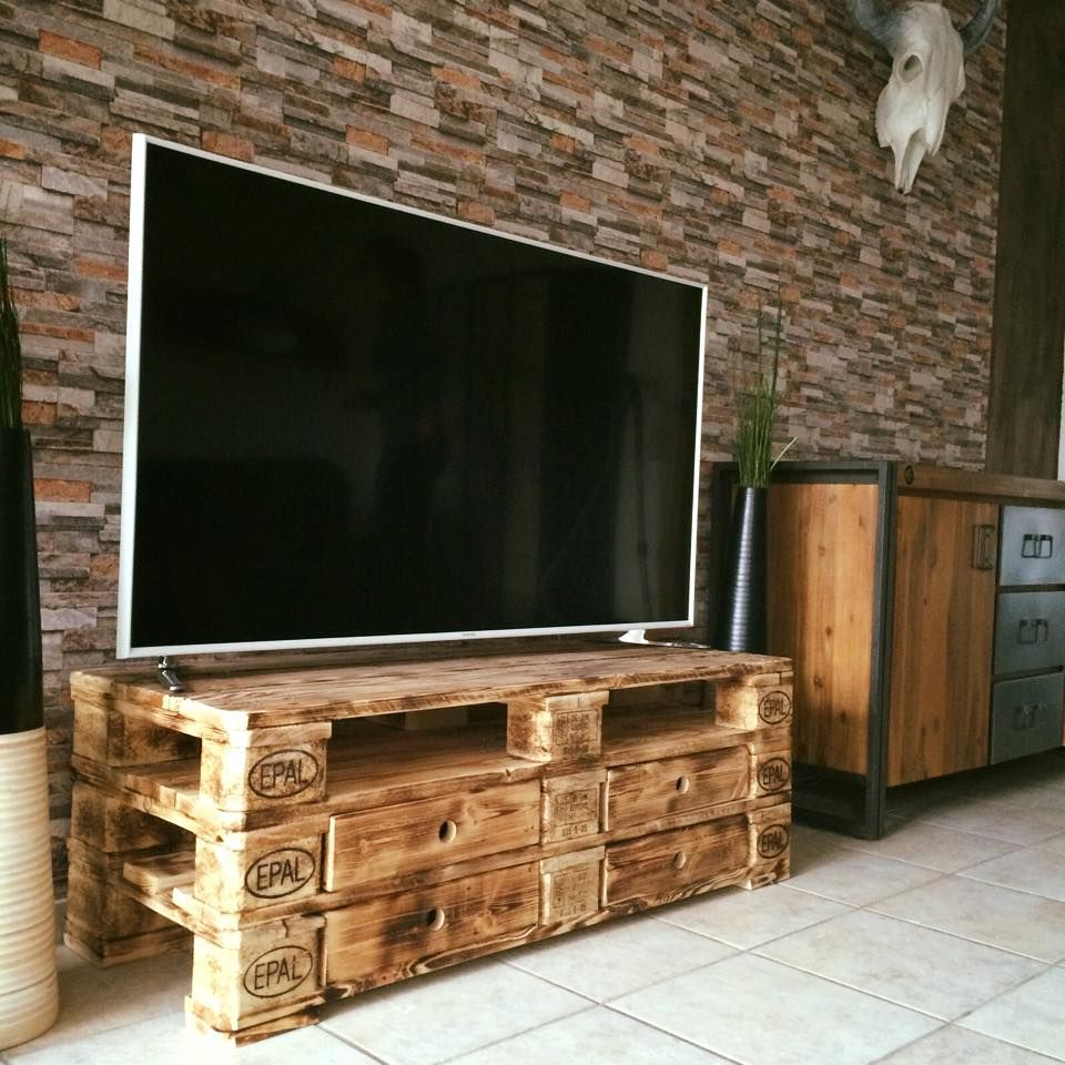 Home shop live tv stands chunky stretch tv stand - Pallet Furniture Diy Pallet Furniture Ideas Pallet Projects