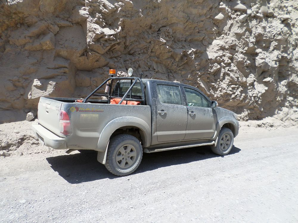 Multiterra On Route Toyota Hilux 3 0 D 4d High Strength And