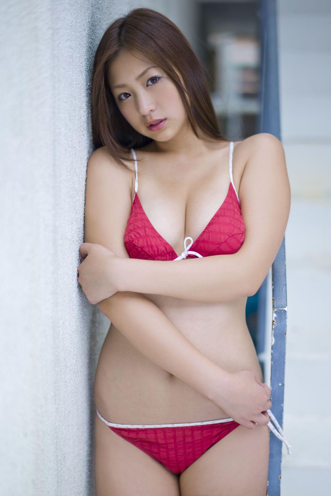 Ayaka Sayama (b. 1993)
