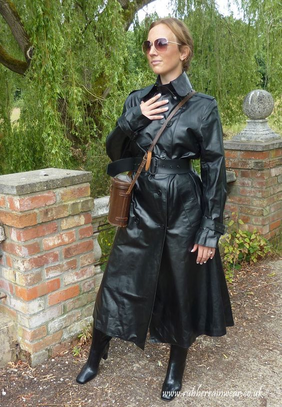 Pin By Ragnar Hansen On Sbr Rain Wear Rubber Raincoats