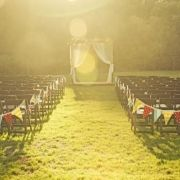 There's something super simple yet classy about this ceremony style. And that soft light - so cute.