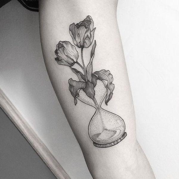 45 diseños de tatuaje de reloj de arena con simbolismo — Tatuajeclub.com