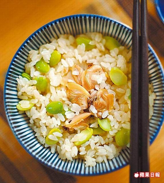 每口飯吃來都帶蛤蜊鮮味,十分爽口。