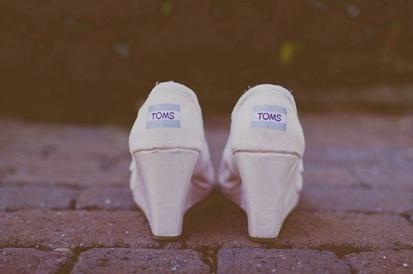 toms wedding shoes, image by http://www.stacypaulphotography.com/#home/