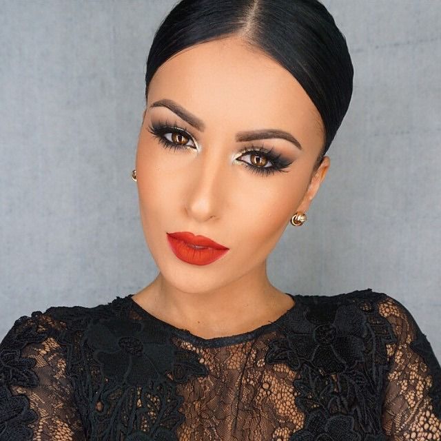 Silver Eyeshadow & Red Lipstick - @amrezy