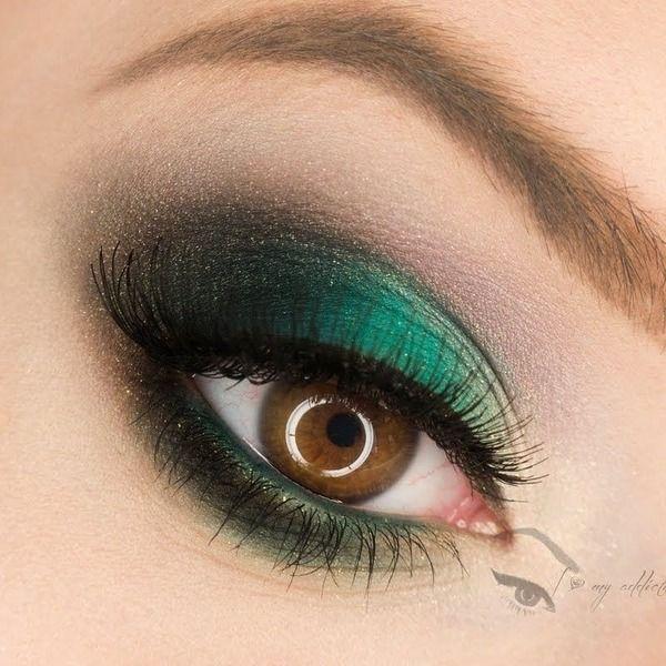 Augen Make Up Mit Lidschatten In Grun Und Schwarz Augen Make Up