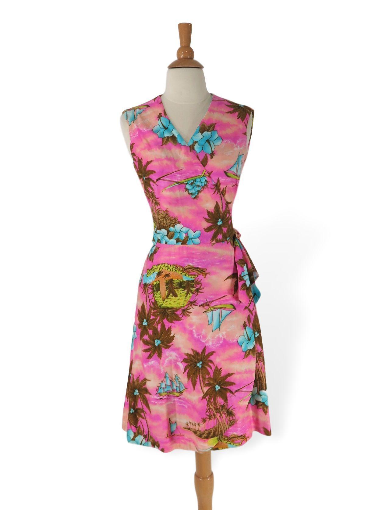 60s 70s Hawaiian Sarong Wrap Dress In 2021 Wrap Dress Dresses Vintage Dresses [ 1672 x 1254 Pixel ]