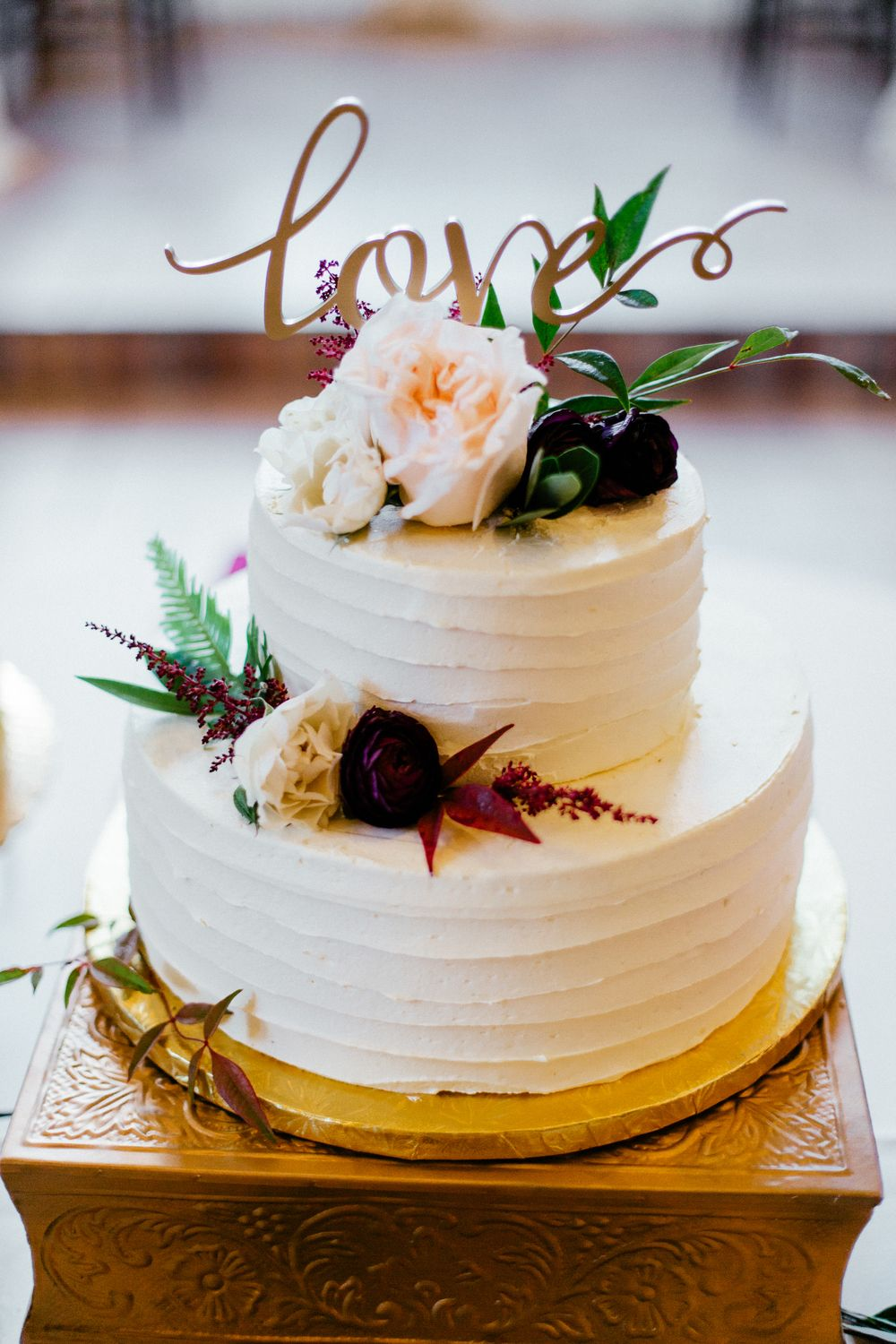 Flowers by Lace and Lilies, Cake Flowers, Burgundy Wedding