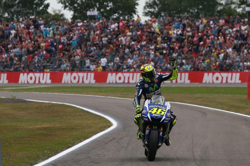 Rossi Sizzles With Record Assen Pole Motogp News Assen Motogp Valentino Rossi