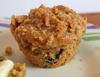 greens and chocolate: blueberry muffins with streusel topping