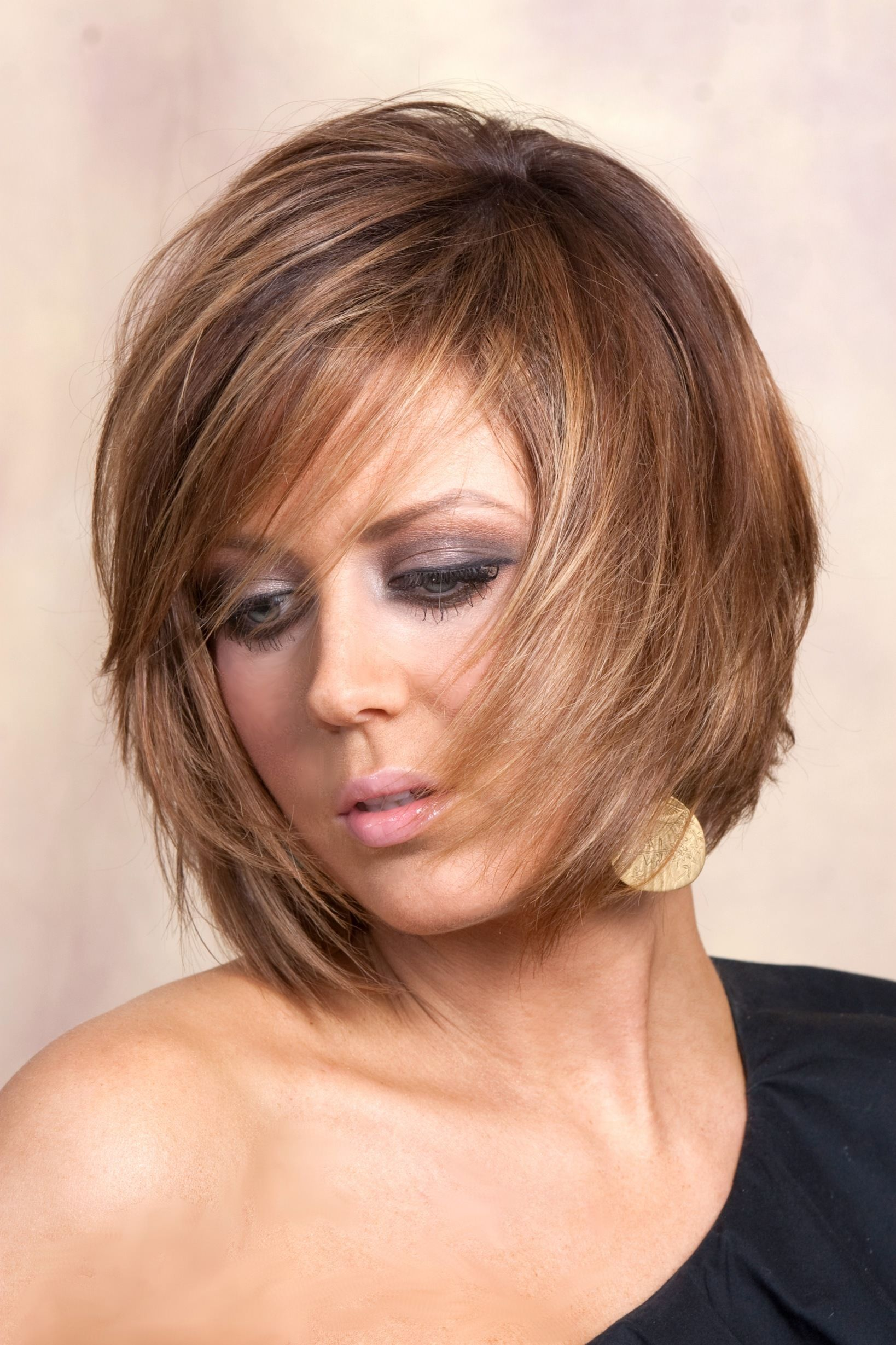 Pictures Of Short Layered Bob Hairstyles 53 with Pictures Of Short Layered  Bob Hairstyles | Short hair with layers, Medium hair styles, Shaggy short  hair