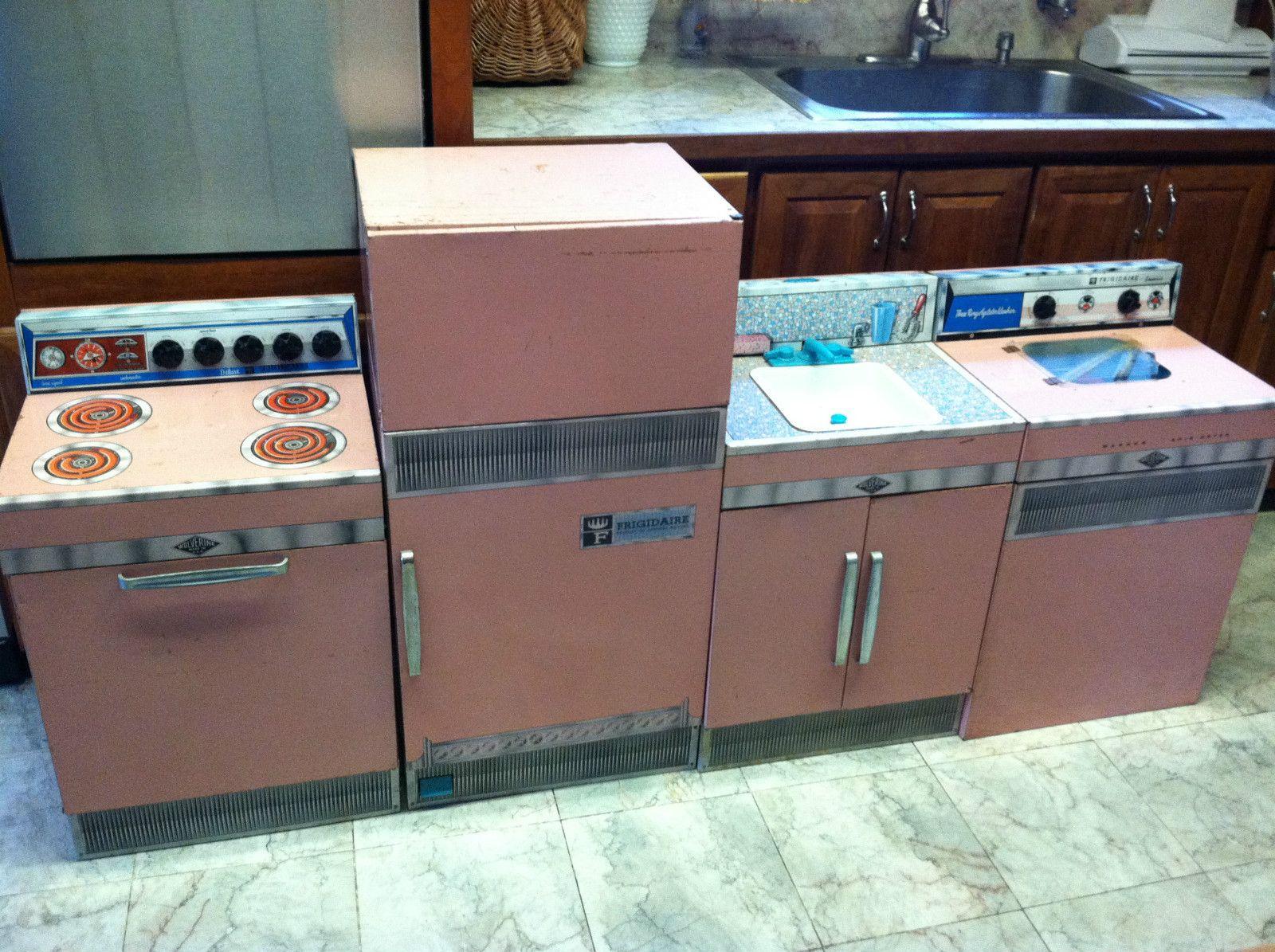Pink Wolverine Frigidaire 1950s Tin Litho Toy Kitchen Set Little