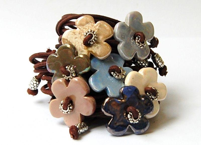 http://www.chiclefreakshop.com/a-26874278/armbanden-bloem-hartje/3x-bloem-naar-keuze/