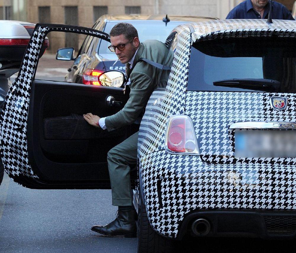italia independent en france beindependenteverywhere voitures om et pied de poule. Black Bedroom Furniture Sets. Home Design Ideas