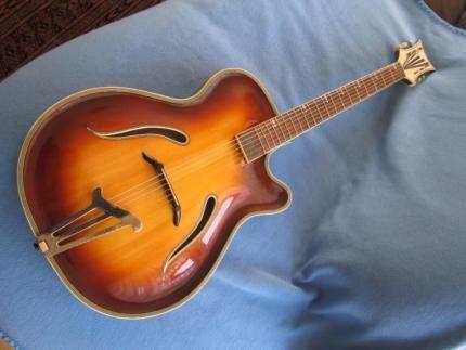 herbert todt schlaggitarre jazzgitarre archtop rarit t in bayern bayreuth. Black Bedroom Furniture Sets. Home Design Ideas
