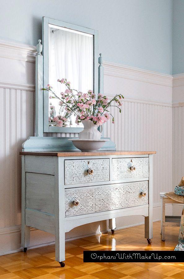 Embossing Plaster Dresser #DIY #furniturepainting #raisedstencileffect #embossingplaster - www.countrychicpaint.com/blog