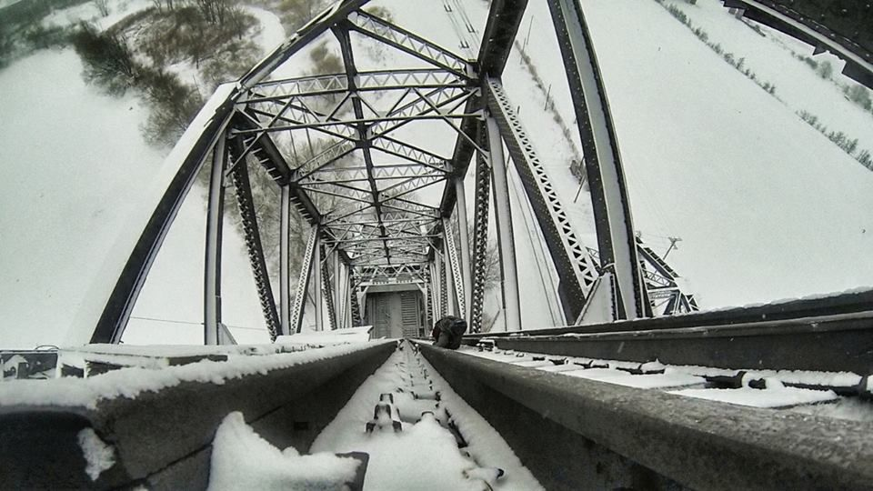 Remember that raised drawbridge? I went back... In the snow. (4UNB) [960X540]