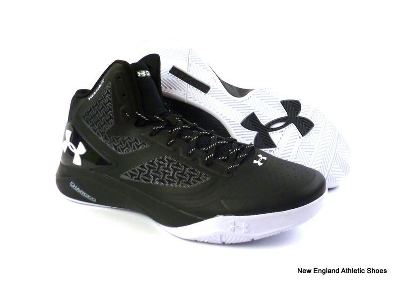 Under Armour mens Clutchfit Drive 2 basketball shoes size 13 Black White NIB