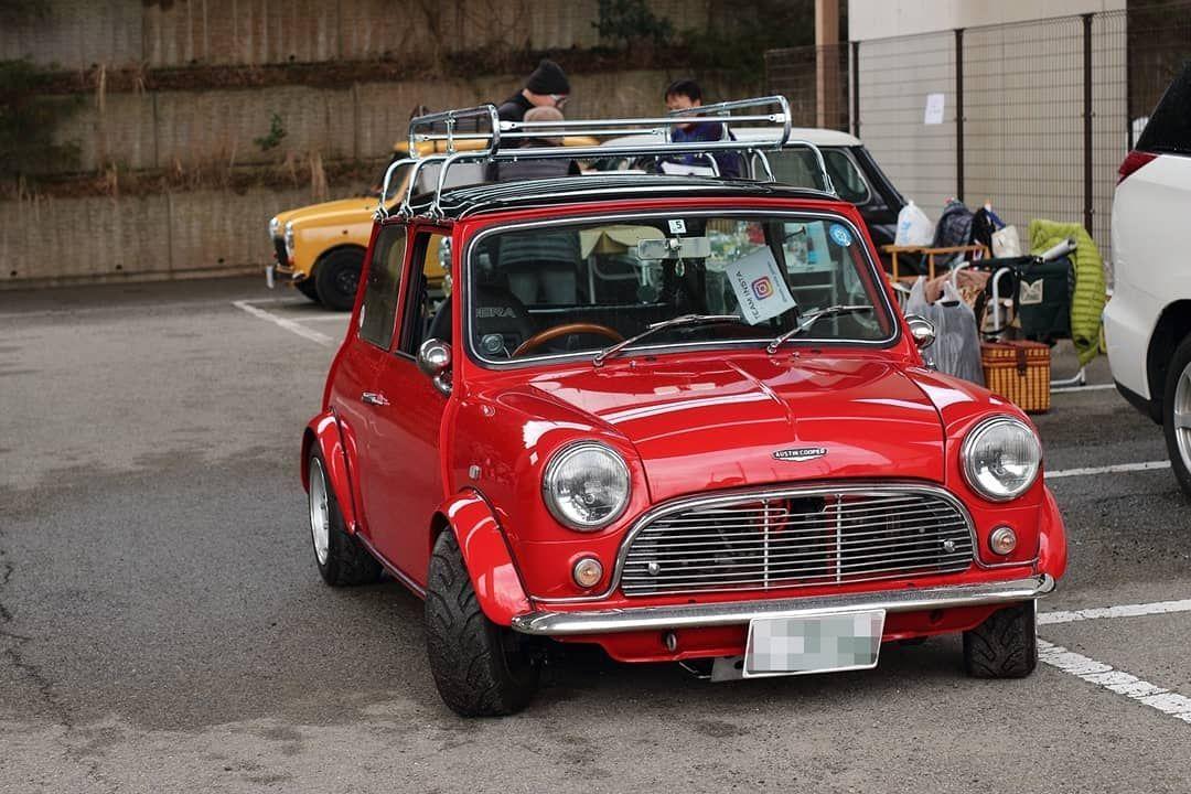 シンプルでカッコいい 悪天候でも栄える綺麗な赤 ミニクーパー クラシックミニ ローバーミニ レトロ nymm minicooper classicmini retro car suv suv car