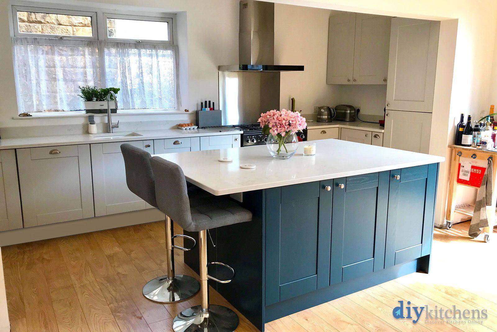 An Innova Linwood Light Grey Shaker Kitchen Kitchen