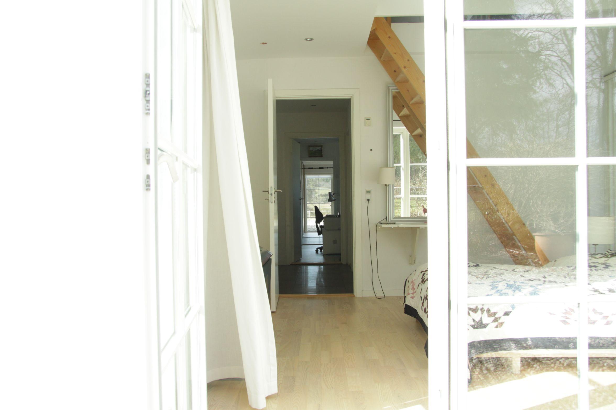 Architecture and photo: ©️Bodil Kirstine Jensen - www.modernmill.dk. Quilt: Kirsten E Jensen