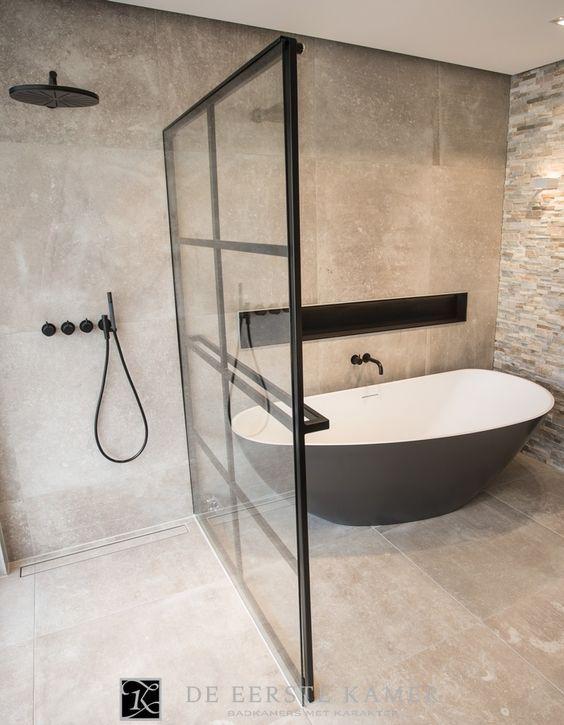 de eerste kamer de stalen douchewand is tegelijkertijd de designradiator in deze geweldige badkamer meer inspiratie vindt u op wwweerstekamerbadkamers