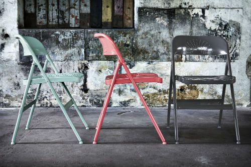 Surprising Frode Folding Chairs Shake Things Up Color Wise With Lamtechconsult Wood Chair Design Ideas Lamtechconsultcom