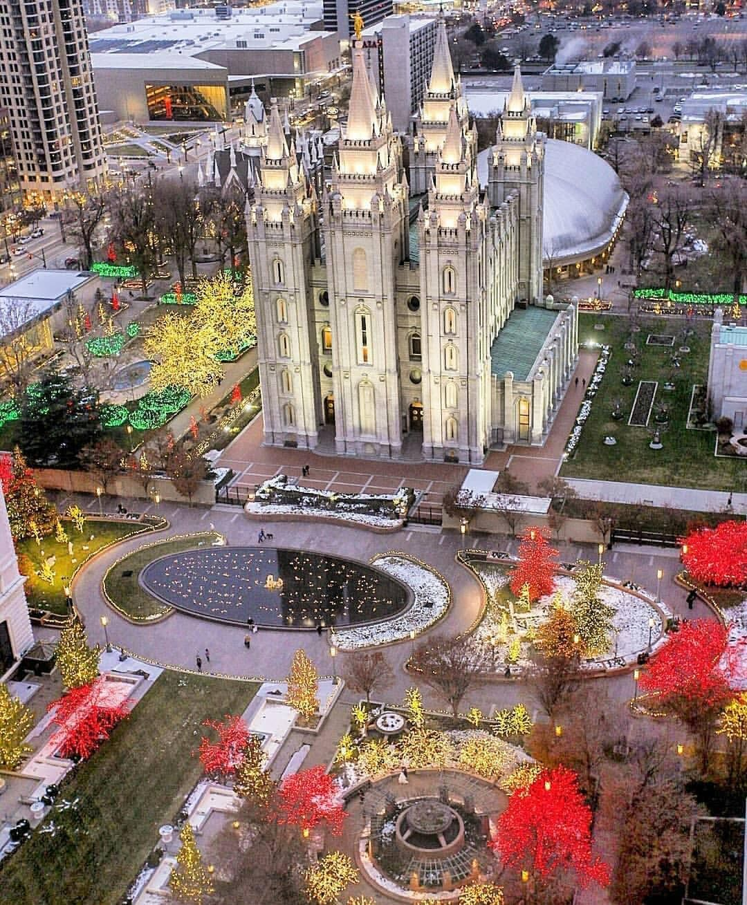 5 Tips To Make Seeing The Holiday Lights At Temple Square