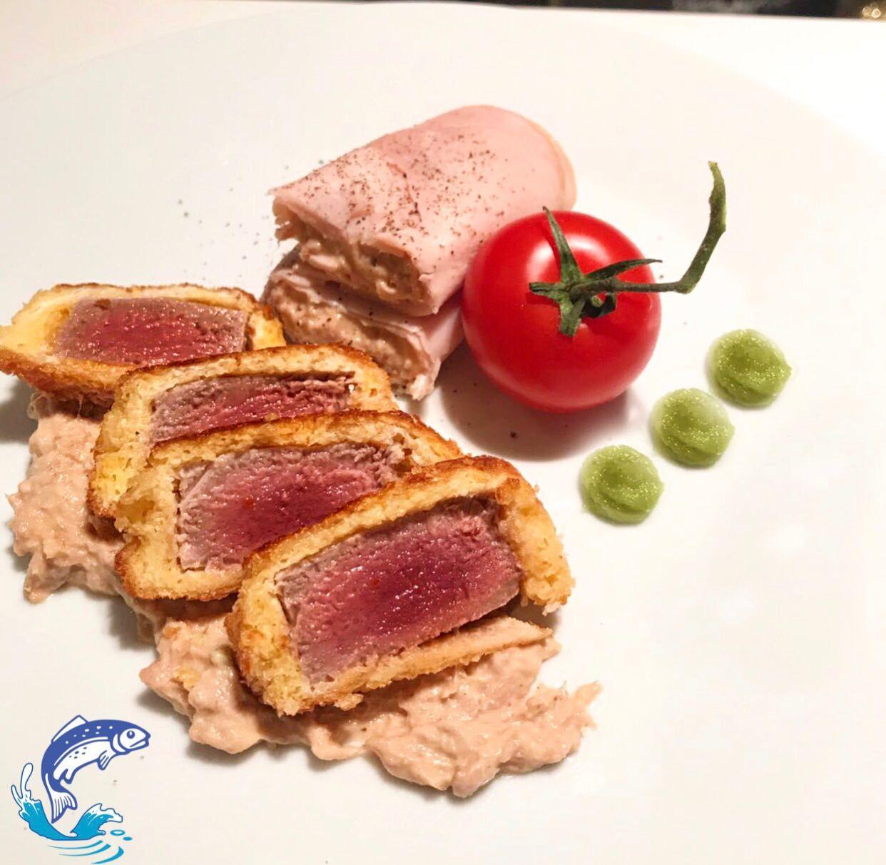 🐠TUNA, TUNA AND TUNA 🍅🐟 heerlijke tonijn van @brandvis op twee verschillende wijzen bereid! www.brandvisspecialiteiten.nl