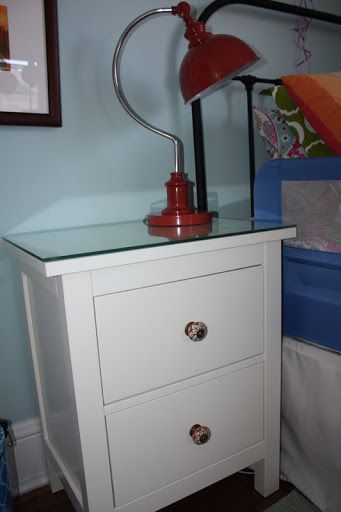 IKEA Hemnes bedside table with new knobs and glass on top Kids Pinterest HEMNES, Bedrooms