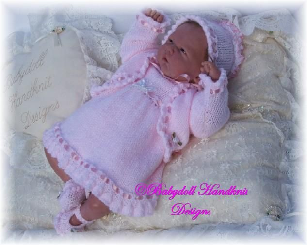 MU Knitting Group - FREE Frilled Dress Set 10-16 inch doll ...