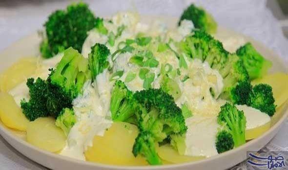 طريقة عمل بطاطس بالبروكلي وصوص الزبادي المقادير نصف كيلو بطاطس مسلوقة نصف كيلو بروكلي مسلوق 4 علبة زبادي لايت نصف كوب جب Broccoli Cooking Food