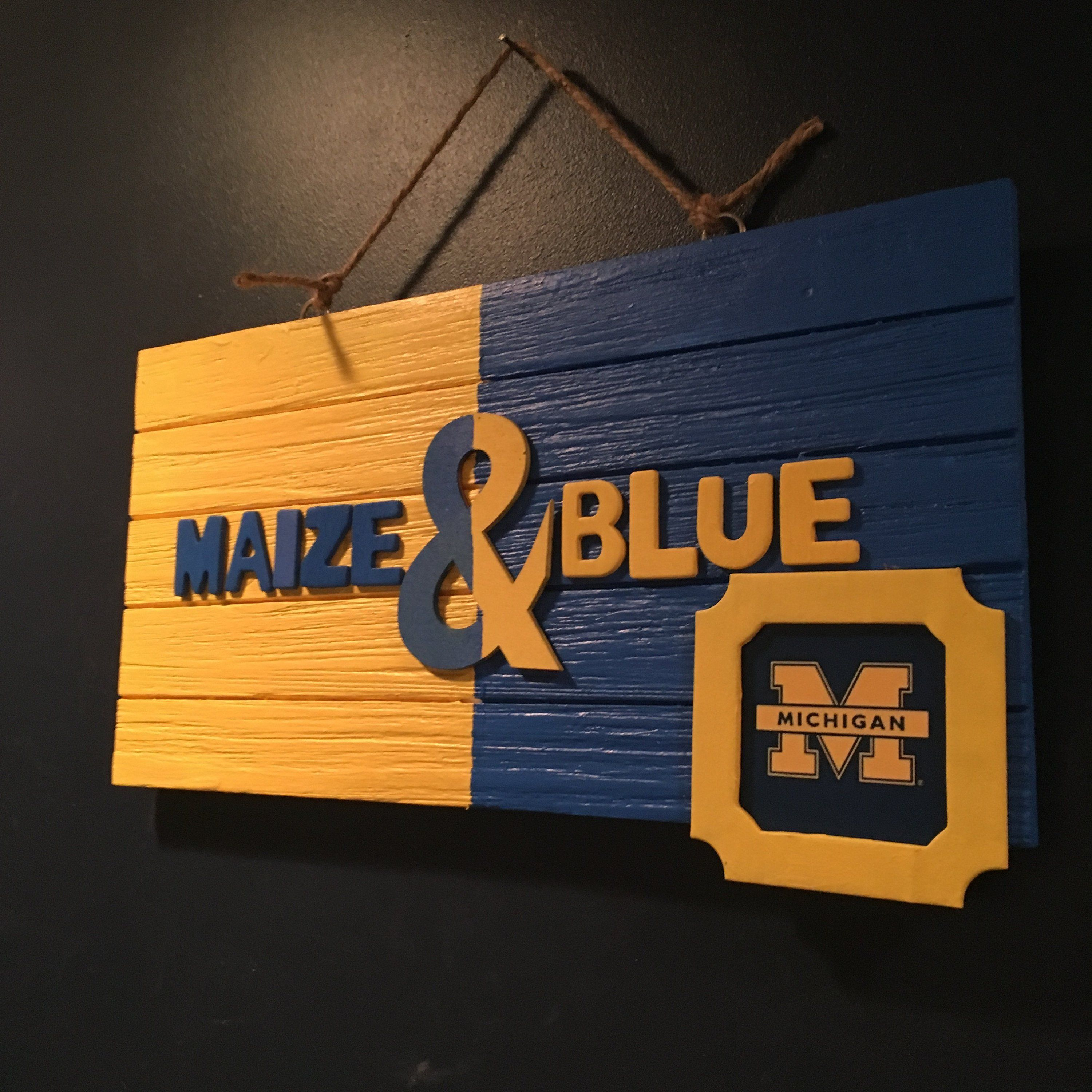 FOCO NCAA Michigan Wolverines Mancave Sign Team Color One Size