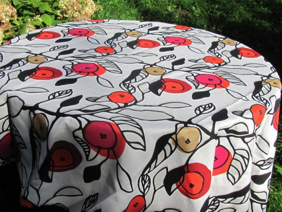 Square / Round / Oval Tablecloth With Stylized Leaves U0026 Berries; White /  Red /