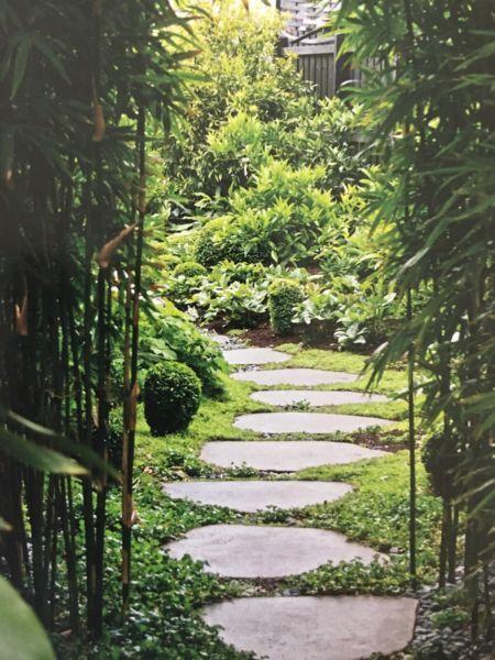 Bluestone Stepping Stones Through Gardenbeds Stone Garden Paths Garden Pavers Garden Paving