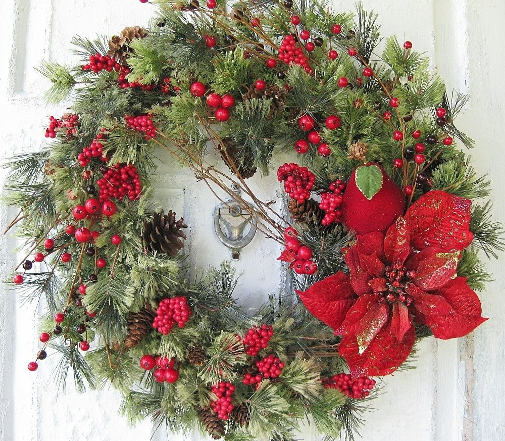 Traditional in a circle with modern... | Christmas wreaths ...
