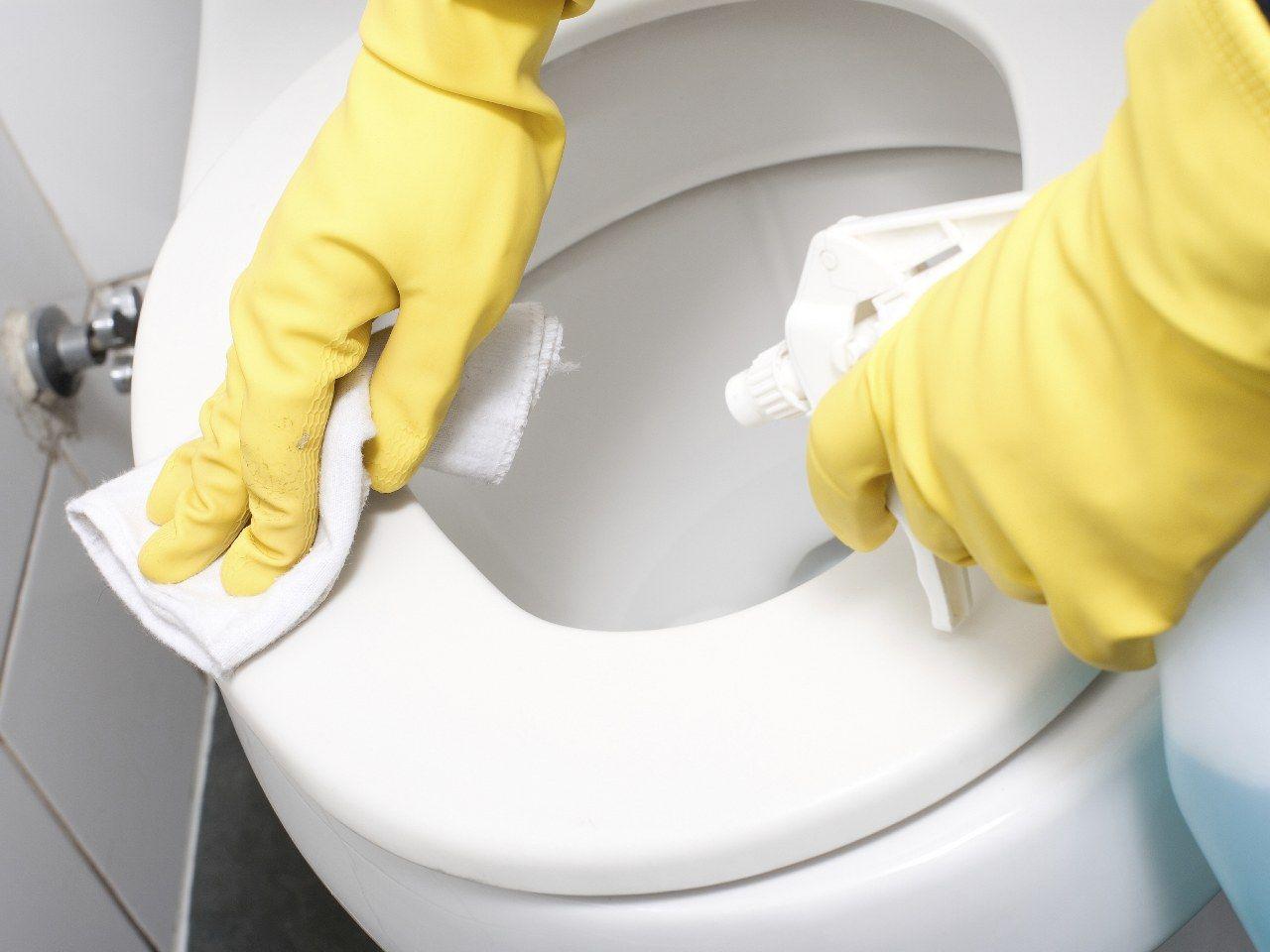 A nessuno piace pulire il bagno ma con un po 39 di pazienza e con le nostre miscele naturali - Pulire il bagno ...