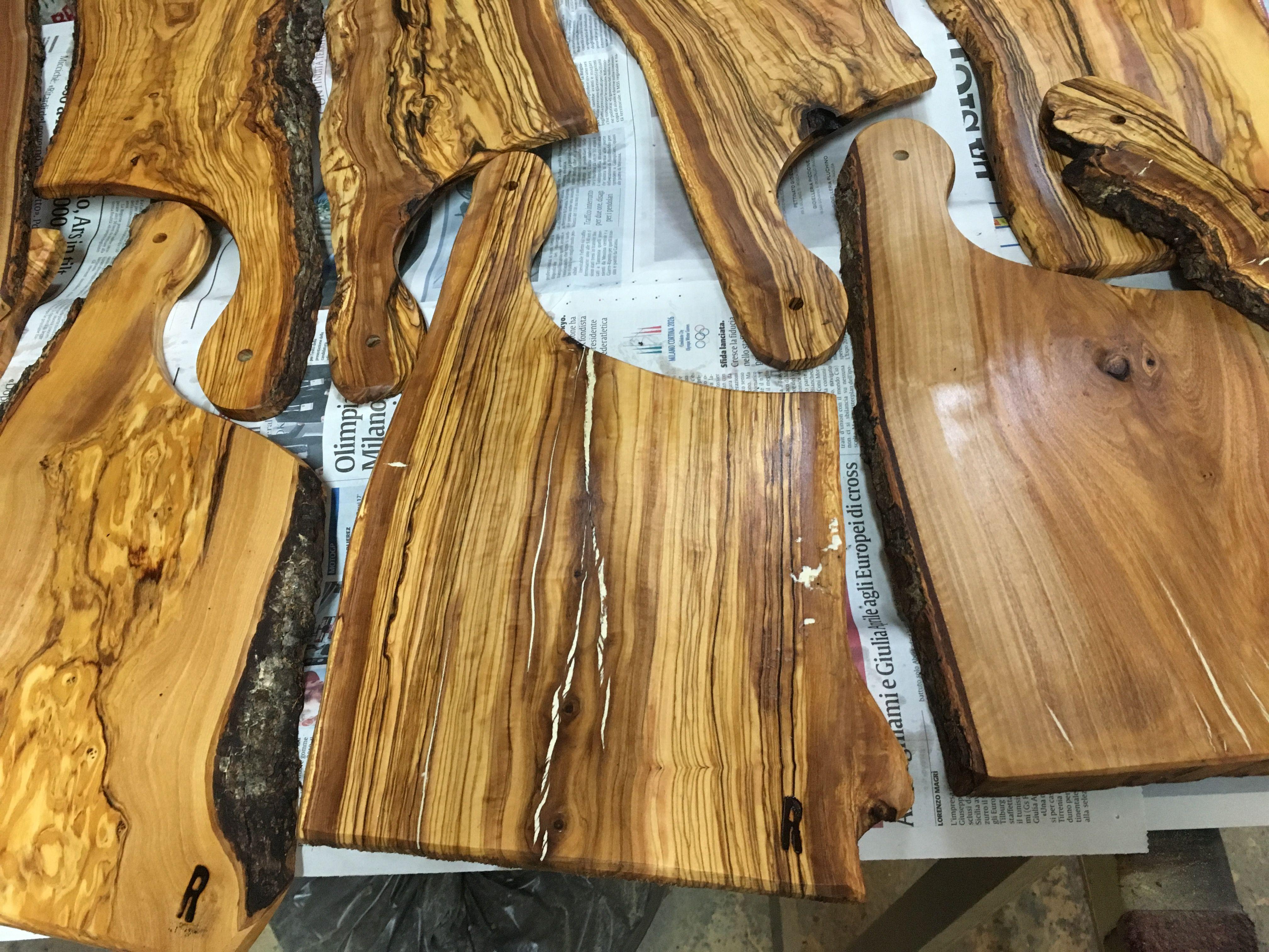 Taglieri in legno d'ulivo dell'Etna Taglieri, Legno, Ulivo
