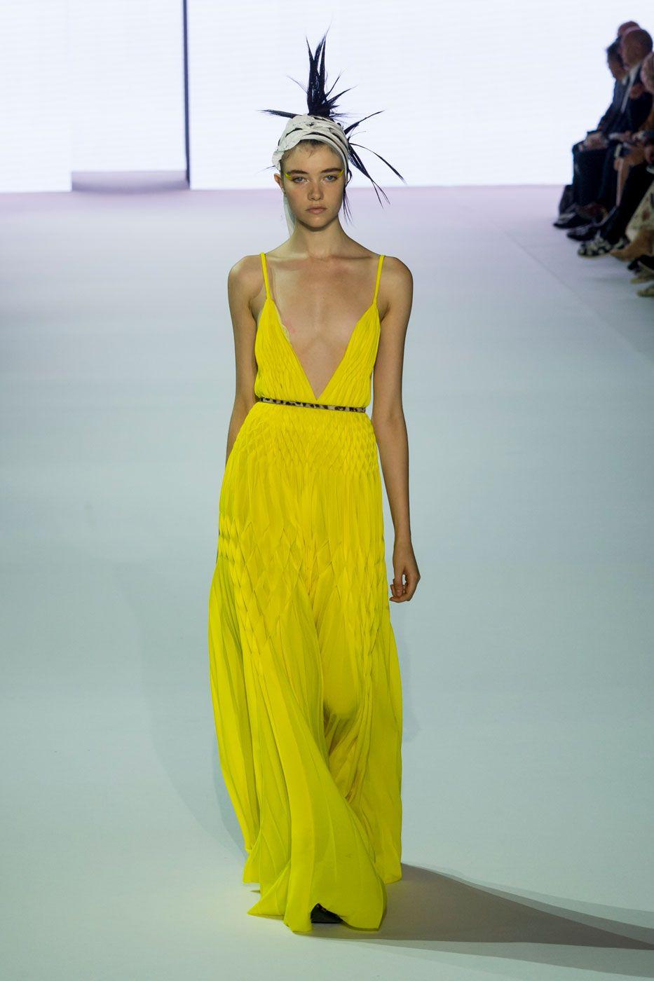 Haider Ackermann renova o lamê de um jeito cool - Vogue | Desfiles
