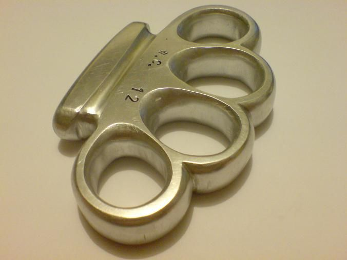 Knuckle+Duster+Brass+Knuckles+weaponcollector+homemade+small+size+men's+hand+made+Кастет+for+sale+(5).JPG (676×507)